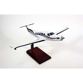 PC12 Pilatus Splash 1:40 with stand (KPPC12str)
