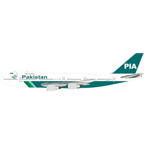 B747-200 PIA Pakistan International old livery AP-BAK 1:200 with stand