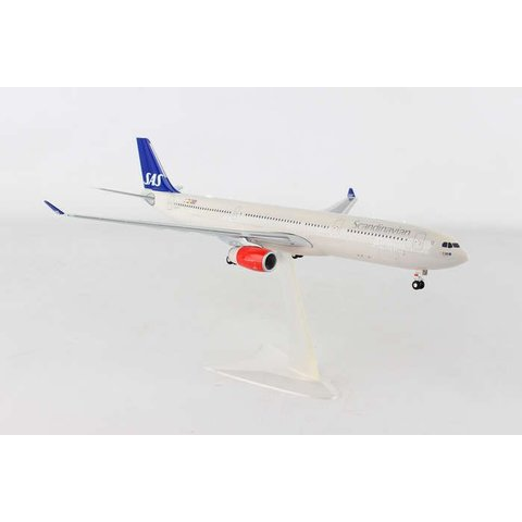 SAS A330-300 Helge Viking LN-RKU 1:200 with gear + stand