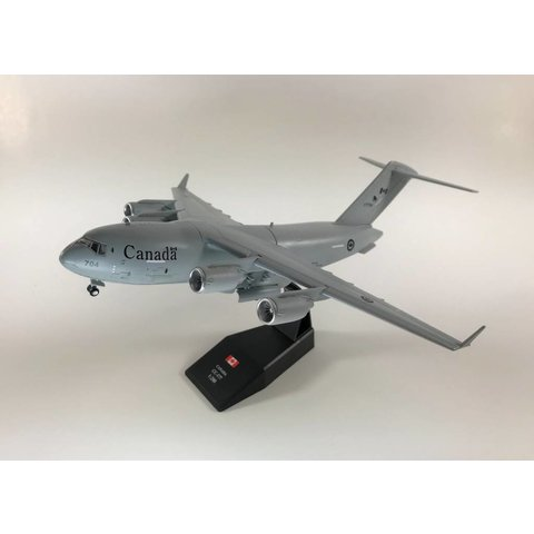 CC177 Globemaster III RCAF 429 Squadron 177704 1:200 with stand (plastic)