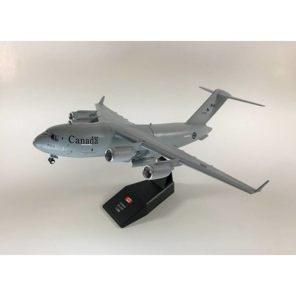 Pilot Collectibles CC177 Globemaster III RCAF 429 Squadron 177704 1:200 with stand (plastic)