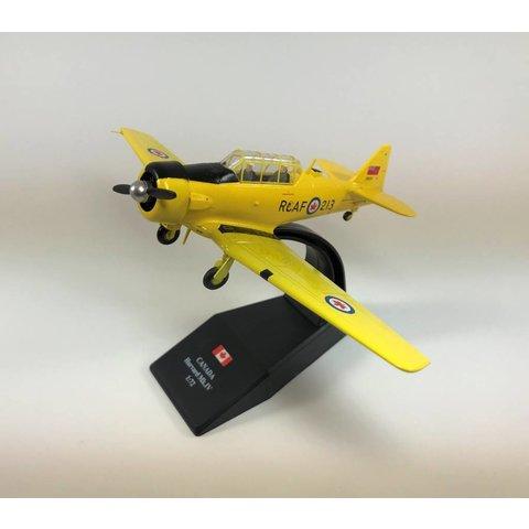 Harvard MkIV RCAF postwar 20213 CF-UUU CWH 1:72 with stand