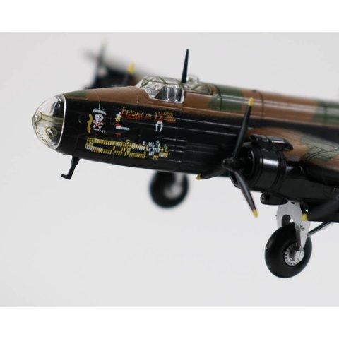Halifax B.Mk.III RAF NP-C 1:144 with stand