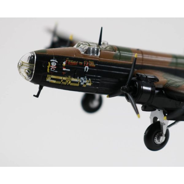Pilot Collectibles Halifax B.Mk.III RAF NP-C 1:144 with stand