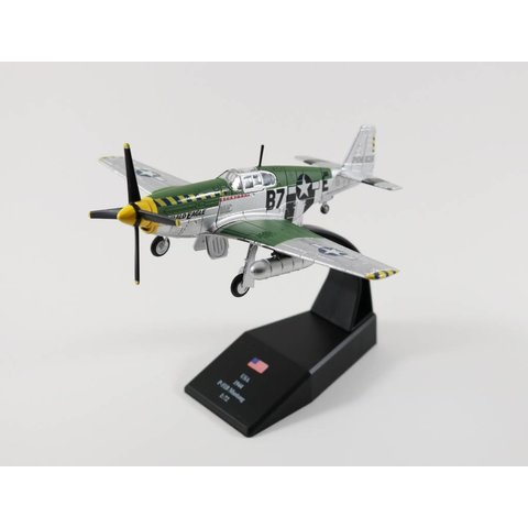P51B Mustang USAAF Bald Eagle B7-E 1944 1:72 with stand