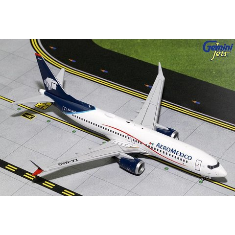 B737 MAX8 Aeromexico XA-MAG 1:200 with stand