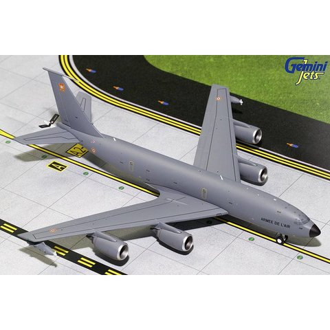 KC135R French Air Force Armee de L'Air 739 1:200 with stand