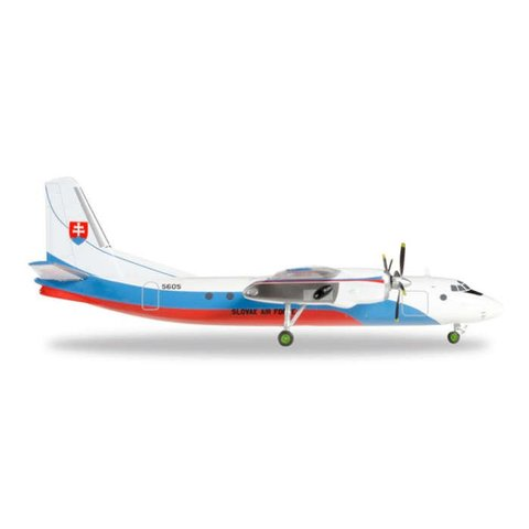 AN24B Slovak Air Force 1:200 with stand