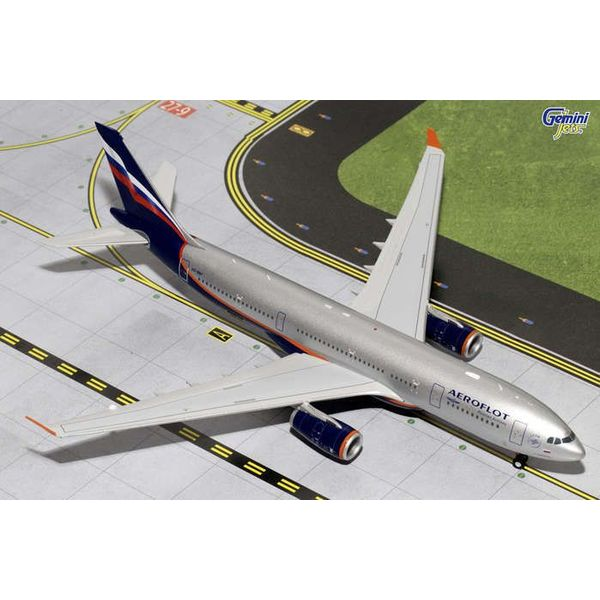Gemini Jets A330-200 Aeroflot 2003 livery VQ-BBF 1:200 with stand