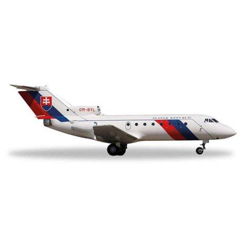 YAK40 Slovak Republic Air Force OM-BYL 1:200 with stand