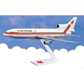 L1011 TAP Air Portugal old livery 1:250 with stand