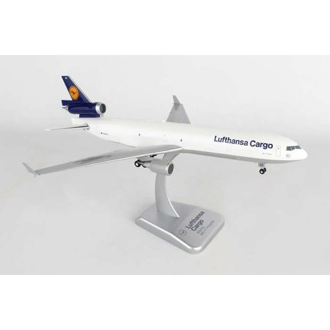 MD11F Lufthansa Cargo 1:200 With gear+stand