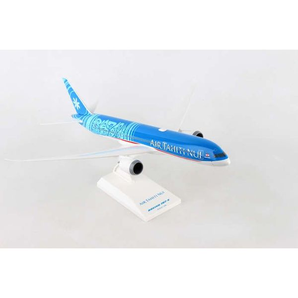 SkyMarks B787-9 Dreamliner Air Tahiti Nui New Livery 1:200 with stand (no gear)