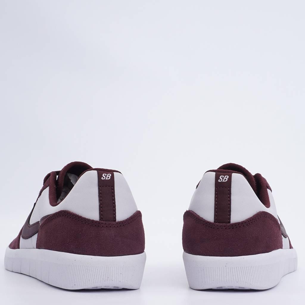 sports shoes bc5f0 6462b NIKE SB Team Classic. prev