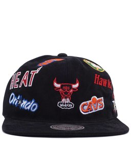 MITCHELL AND NESS ALL-OVER EAST DEADSTOCK SNAPBACK