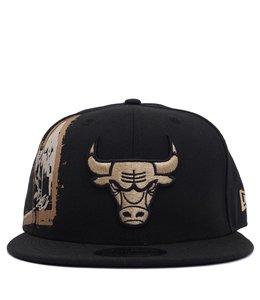 NEW ERA BULLS BASQUIAT CROPPED CROWN SNAPBACK