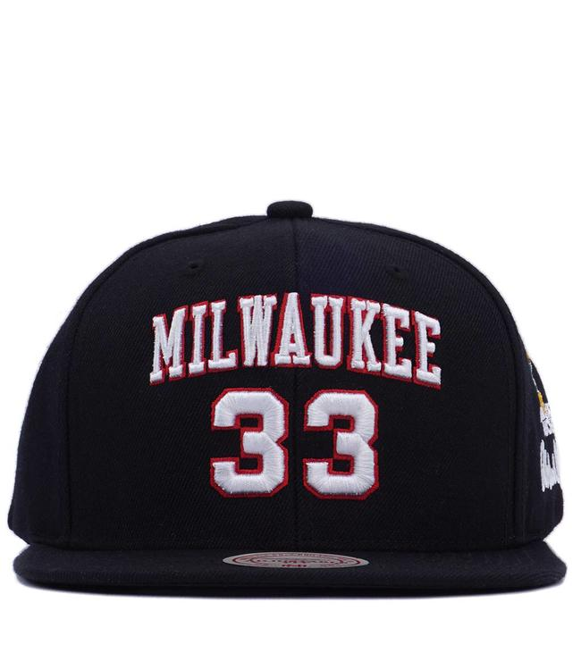 competitive price a8753 bc4c4 MITCHELL AND NESS Bucks Kareem  33 Snapback Hat