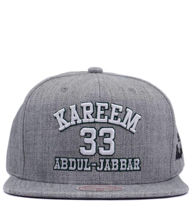 0d8792c2139 Mitchell   Ness Milwaukee Bucks Kareem  33 Snapback Hat - Heather ...