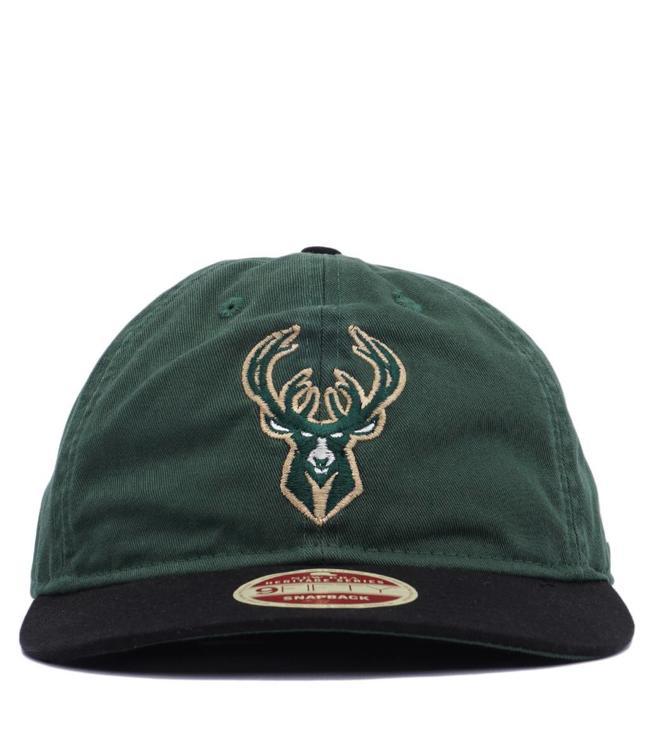 NEW ERA Bucks 2-Tone Team Retro Snapback Hat