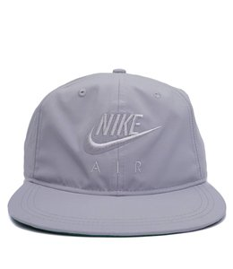 NIKE PRO AIR SNAPBACK HAT