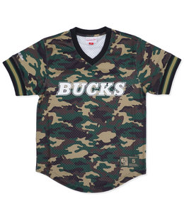 MITCHELL AND NESS BUCKS CAMO MESH V-NECK