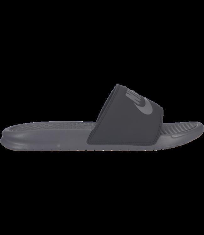 cb657199105b Nike Benassi  Just Do It  Slide Sandal - Gunsmoke Oil Grey - MODA3