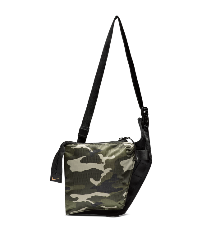 NIKE Air Max Small Items Bag