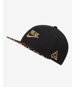 NIKE BUCKS GIANNIS 'COMING TO AMERICA' SNAPBACK HAT