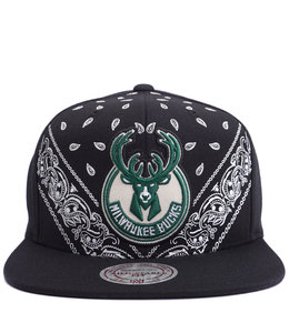 MITCHELL AND NESS BUCKS CURRENT BANDANA SNAPBACK HAT