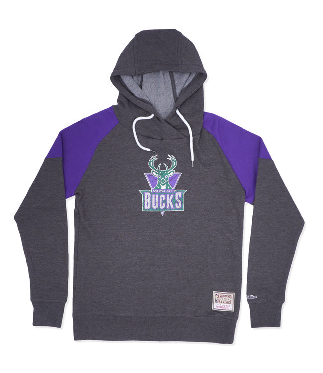 MITCHELL AND NESS Bucks Women's Holiday Hoodie