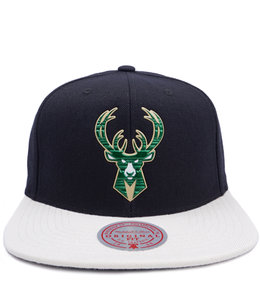 MITCHELL AND NESS BUCKS TOUGH WELD SNAPBACK HAT