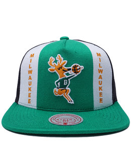 MITCHELL AND NESS BUCKS BUZZER BEATER SNAPBACK HAT