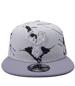 NEW ERA BUCKS TRIBUTE MARBLE ICON SNAPBACK HAT