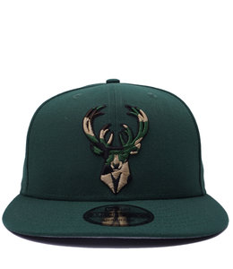 NEW ERA BUCKS EXTREME 9FIFTY SNAPBACK HAT
