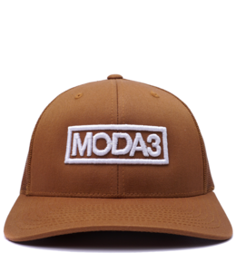 MODA3 OUTLINE LOGO LOW PROFILE TRUCKER HAT