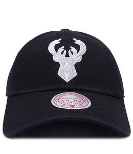 MITCHELL AND NESS BUCKS CONTRAST WHITE STRAPBACK HAT