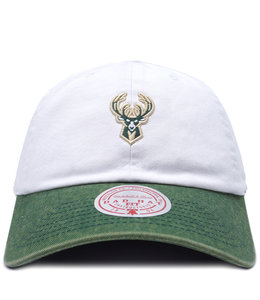 MITCHELL AND NESS BUCKS PUNCH IN STRAPBACK HAT