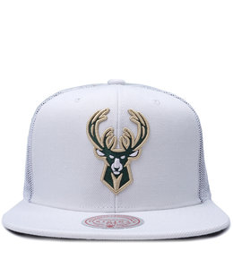 MITCHELL AND NESS BUCKS COOL DOWN TRUCKER HAT