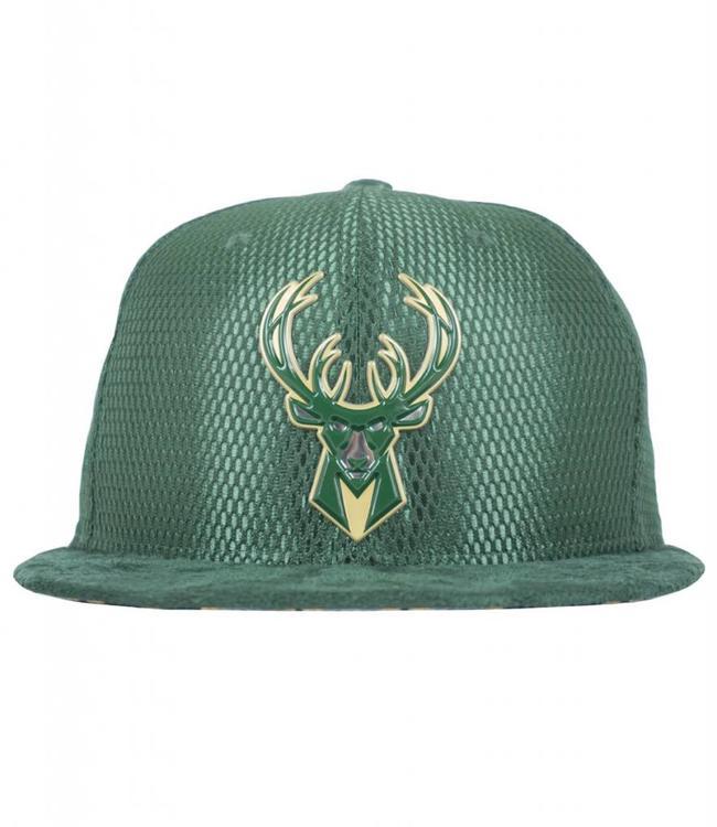 c3ac25bb53c New Era Milwaukee Bucks 2017 NBA Draft On Court 59Fifty Hat - Green ...
