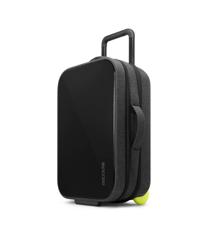 INCASE EO Hardshell Carry-On Roller Luggage