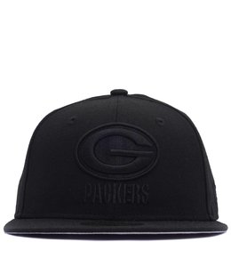 NEW ERA PACKERS BLACK ON BLACK FITTED HAT