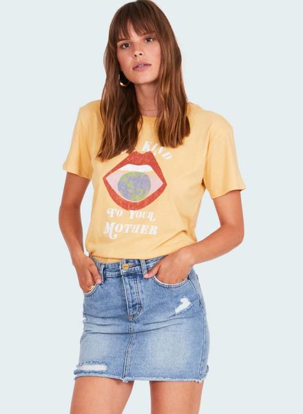 amuse society be kind to your mother tee