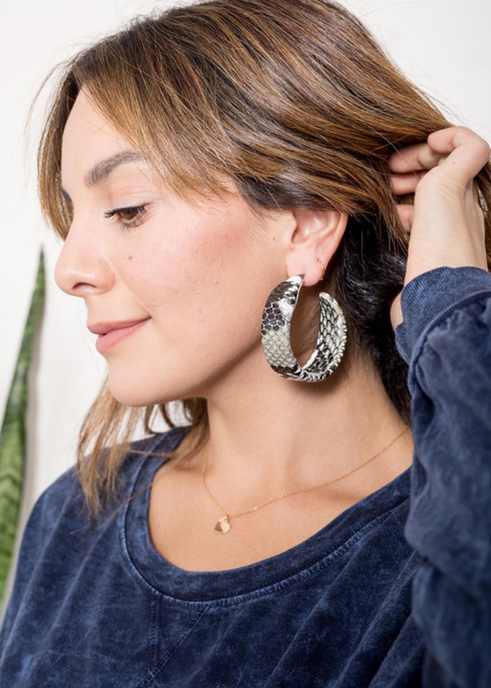 1702 earrings