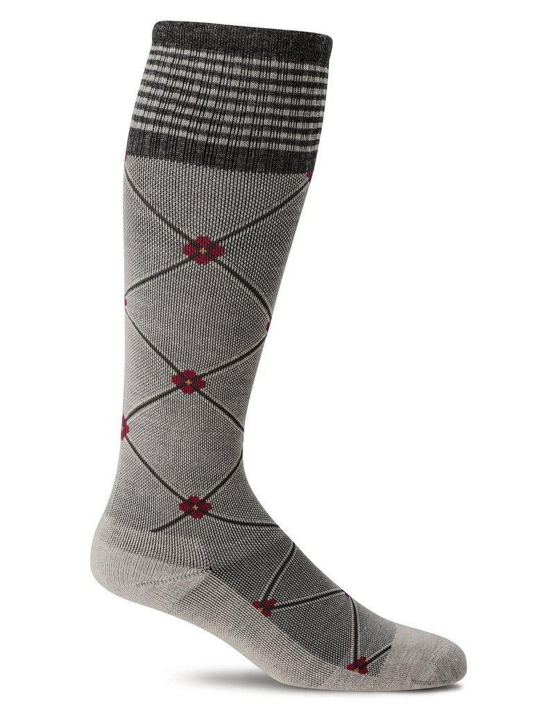 Sockwell Sockwell - Firm Lifestyle Compression - Elevation - SW4W - Oyster - Women's
