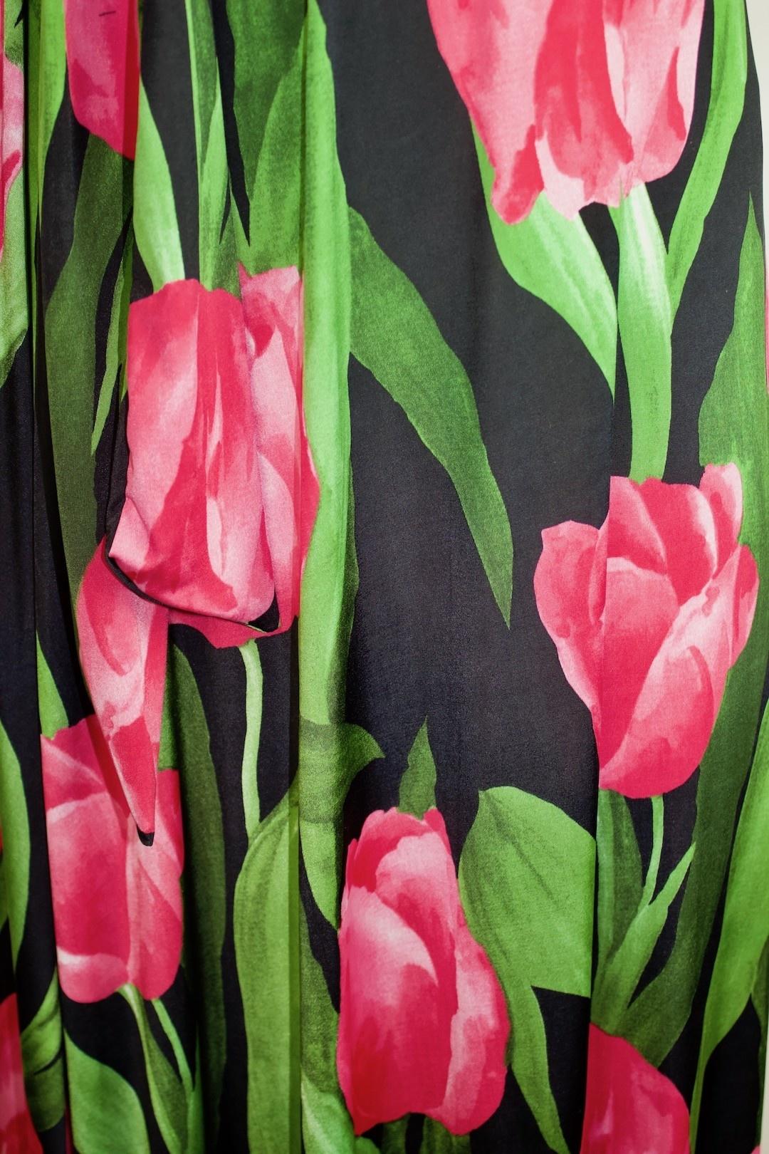Maxine Classic Tulip Field