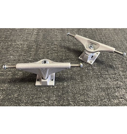 Venture Venture 5.6 Hi Awake Team Edition Raw Trucks (set of 2)