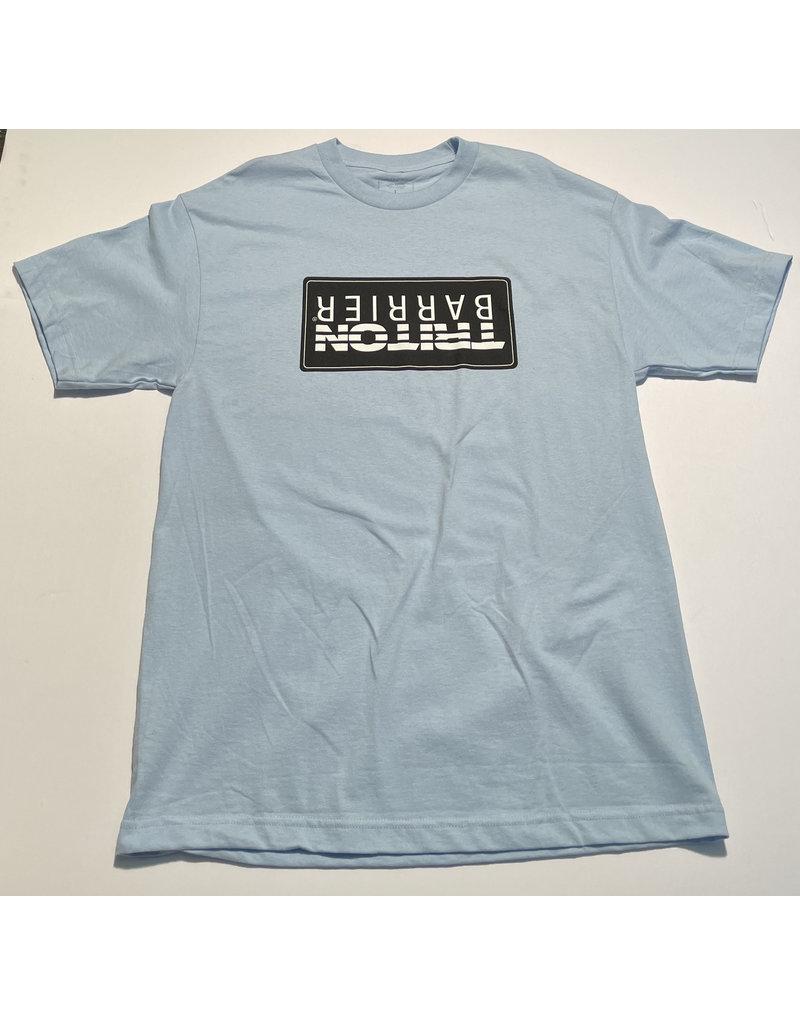 Quasi Quasi Barrier T-shirt - Light Blue (size Large)