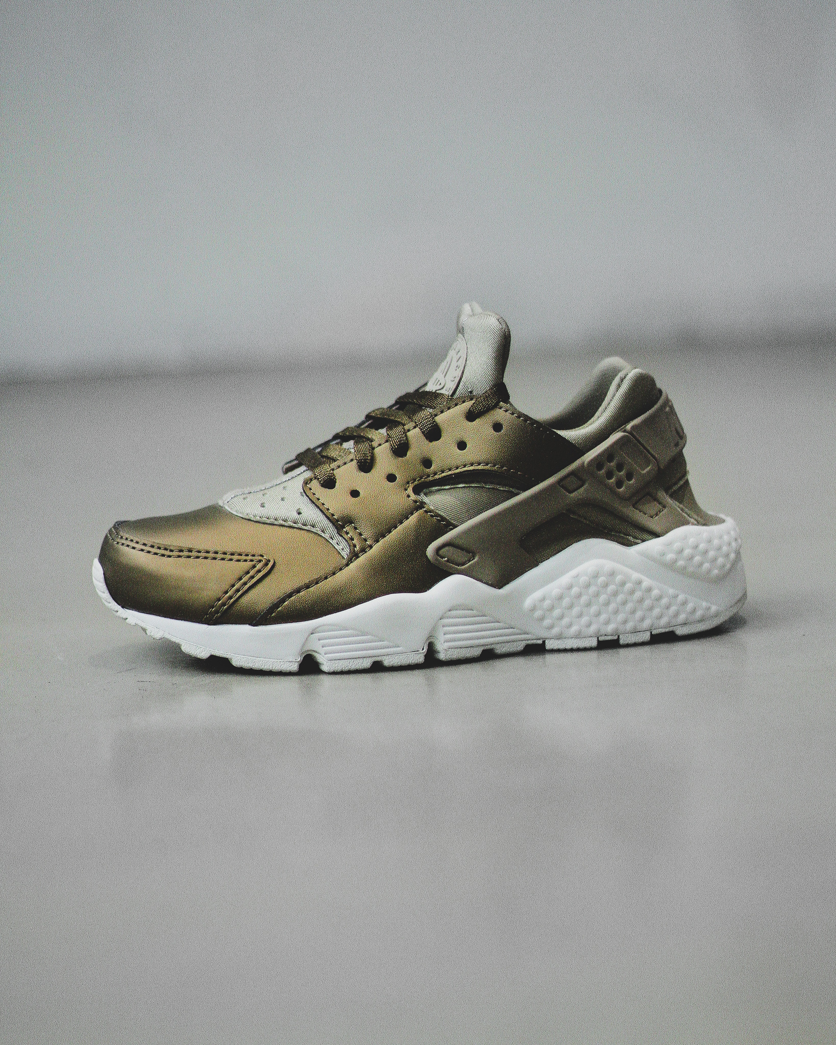 84db3d9015ce AIR HUARACHE RUN PRM TXT - Sneaker Room - Jersey City