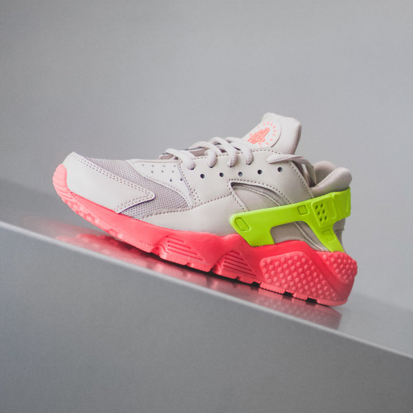 info for da564 caab8 NIKE WMNS AIR HUARACHE RUN