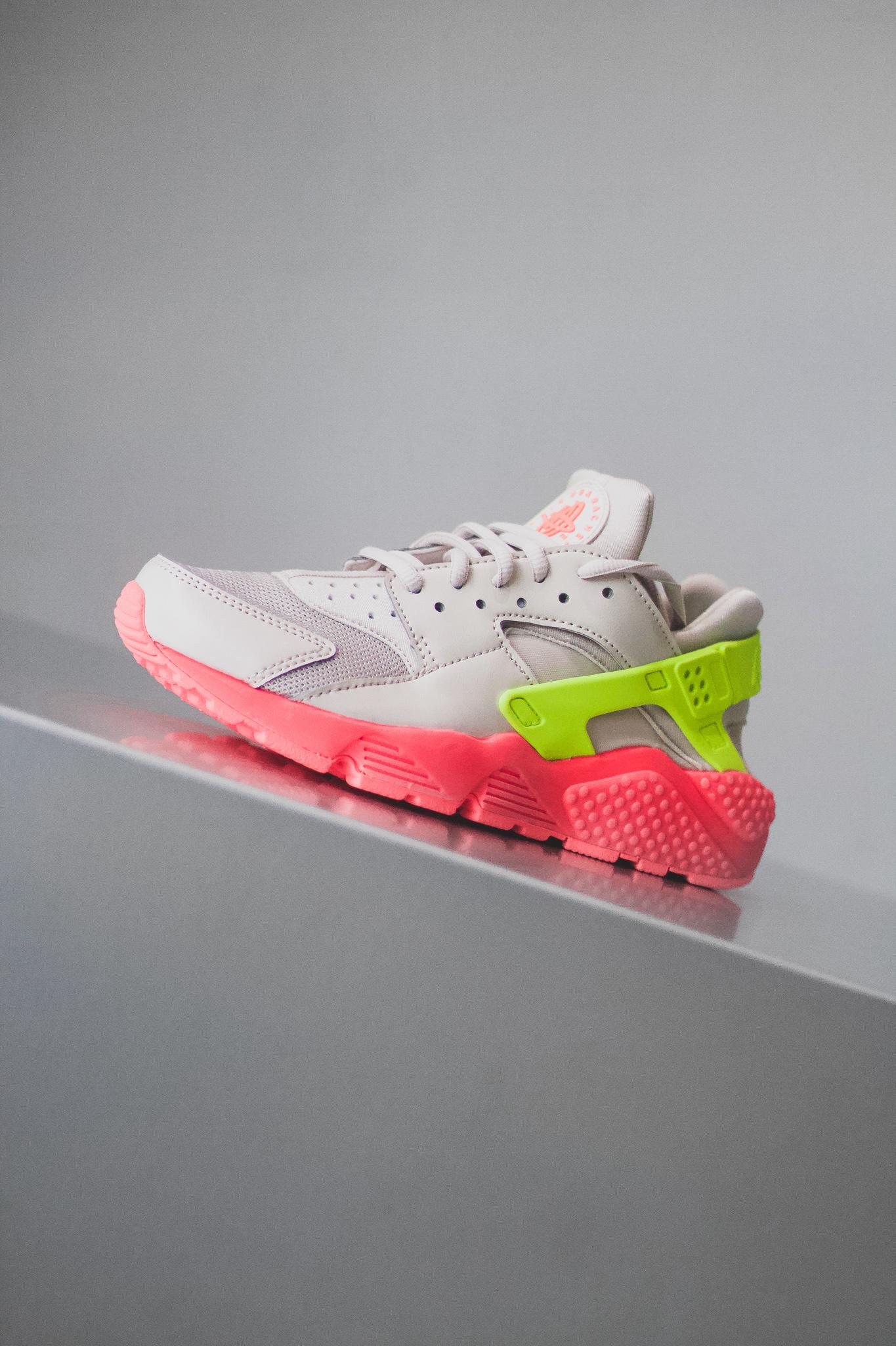392f778ba3f WMNS AIR HUARACHE RUN - Sneaker Room - Jersey City